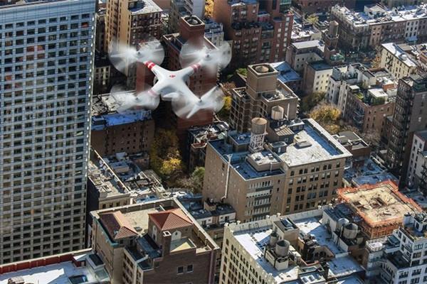 无人机 - 它们对地面人员有什么风险?