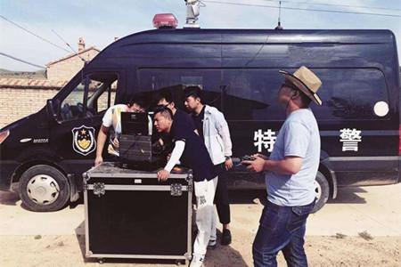 犯罪分子高科技作案 警察反无人机设备反击