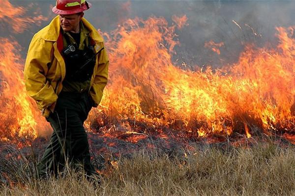 领先的反恐无人机用于火灾监测