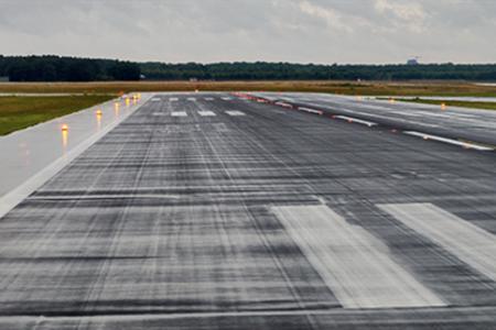 反无人机技术。为何它成为机场必不可少的